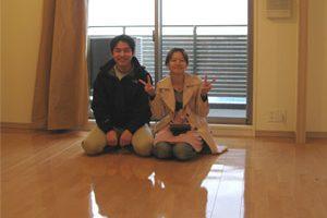 東京の在宅物件にてUVフロアコーティングの施工