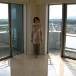 茨城の新築マンションにてUVフロアコーティング