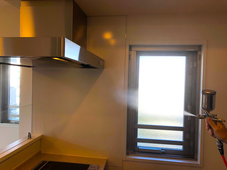 安心価格の光触媒クロスコーティングは室内用に特化した可視光線型の光触媒です