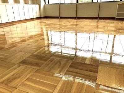 フロアサンディングなら床研磨のできるクリーンエクスプレスまで