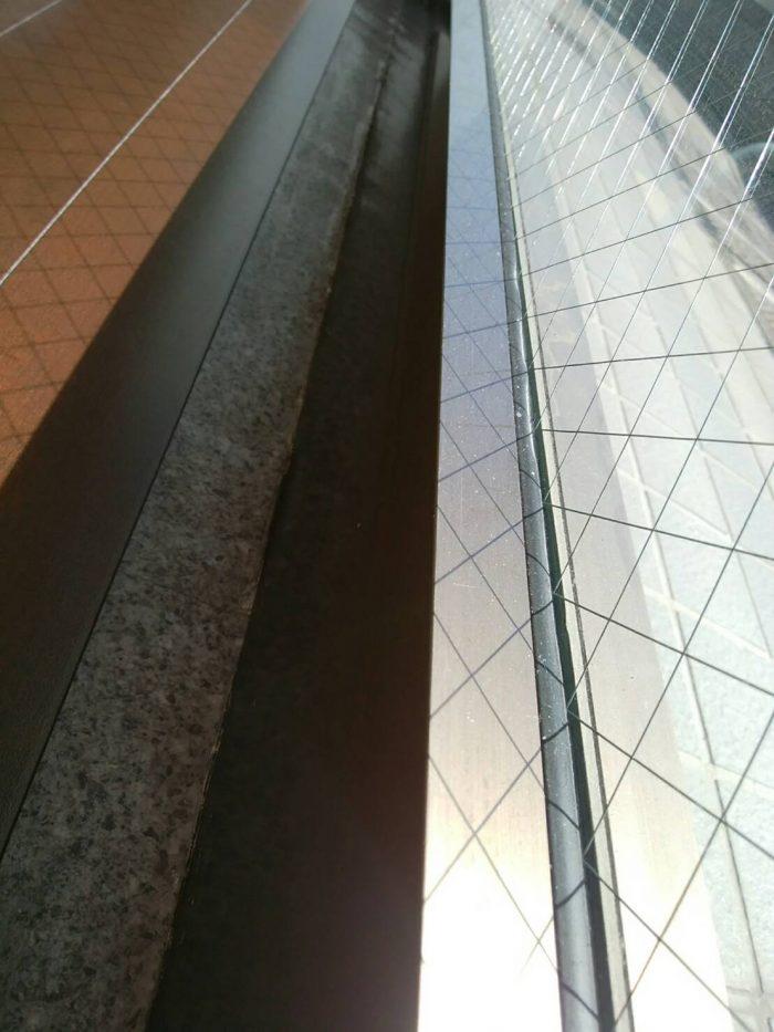 窓枠の小掃除
