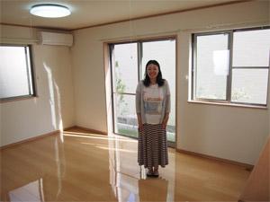 飯田産業のサンロードアートにUVフロアコーティング