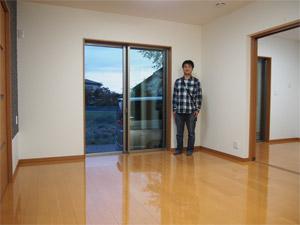 栃木県のタマホームにてUVフロアコーティングを施工