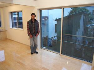 横浜市新築一戸建てのウィザースホームにUVフロアコーティングを施工