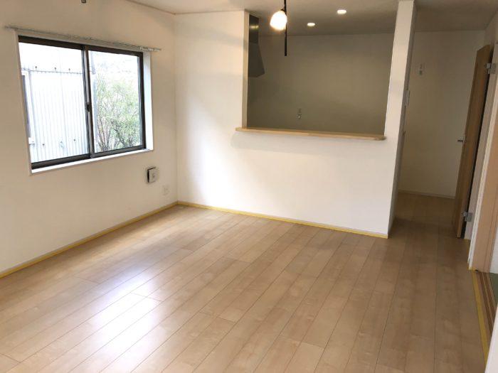 岡山県倉敷市にてUVフロアコーティングの施工をするならCleanExpressにお任せください