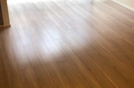 ブランズ文京小石川レジデンスにてガラスコーティングの施工にお伺い致しました。 ガラスコーティングはつや消しの為、写真だとわかりづらいですが、このような仕上がりです!