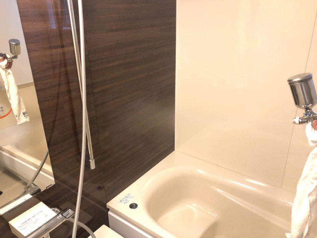 浴室の光触媒