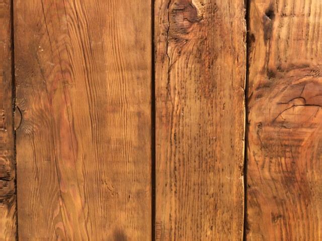 木材コーティングで無垢テーブルや柱に防汚加工