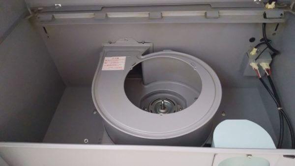 レンジフードの内側を掃除!光触媒コーティングの効果はいかに!