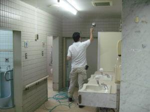 光触媒コーティングを施工した福祉施設のトイレ