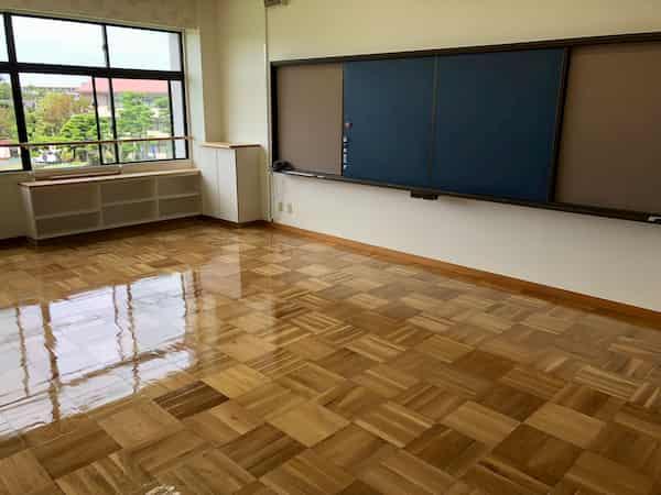 湘南にてフローリング研磨|湘南白百合学園小学校様